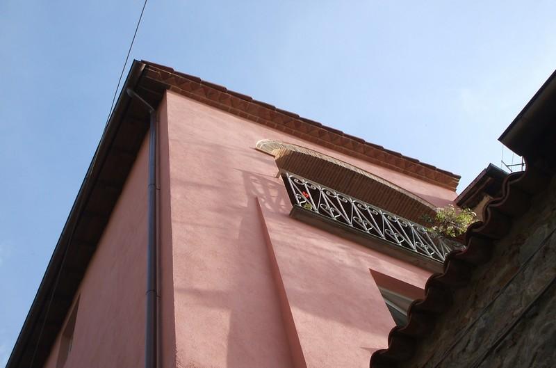 Balcony from Vicolo Nardi